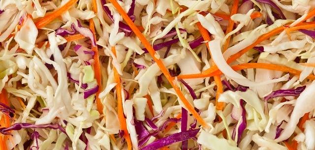 Coleslaw – en perfekt salat til mad fra grillen