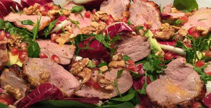 Salat med grillet and