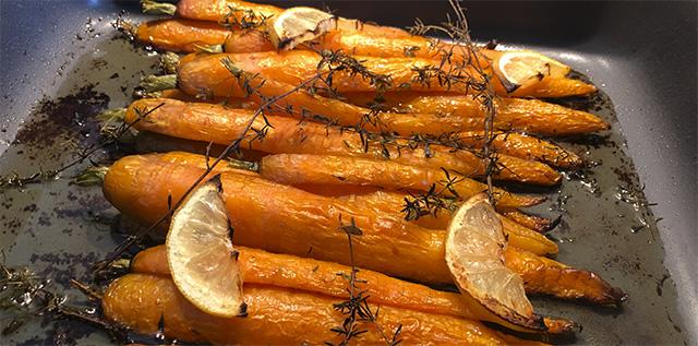 Bagte gulerødder med timian og citron