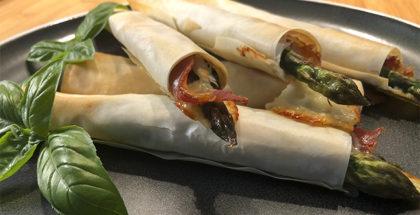 Indbagt asparges i grill